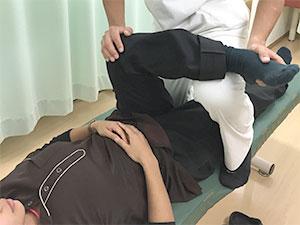 腸脛靭帯炎の施術風景